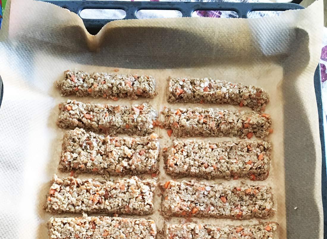 homemade-carrots-banana-granola-bars