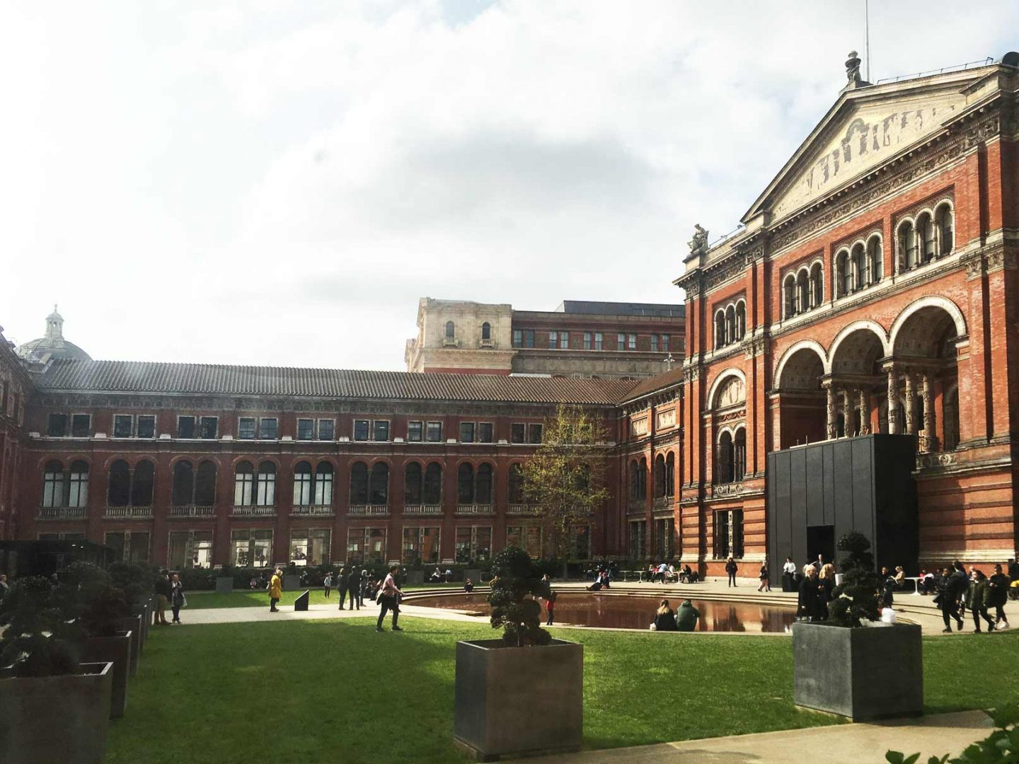 V&A museum's courtyard with a little pond
