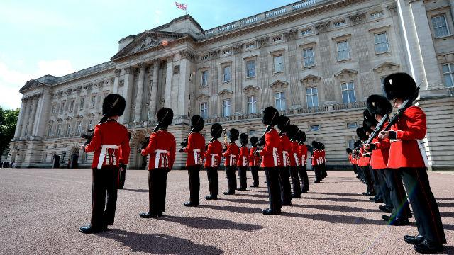 Buckingham Palace - Change the Guard