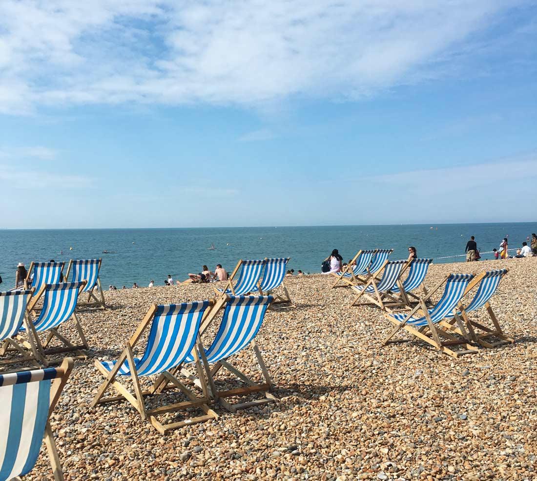 sdraio sulla spiaggia di Brighton
