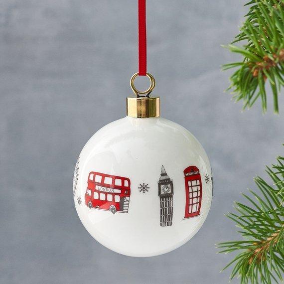 addobbo natalizio per l'albero con rappresentazioni di londra