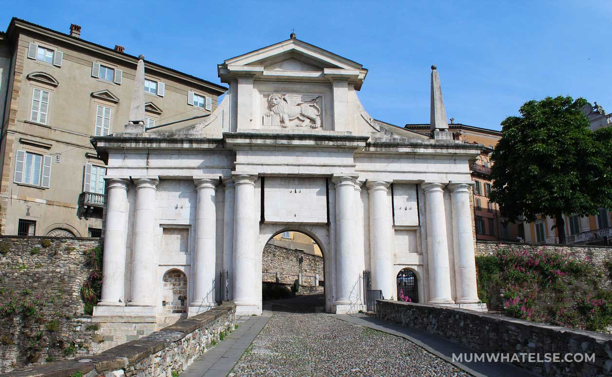 porta san giacomo a Bergamo alta