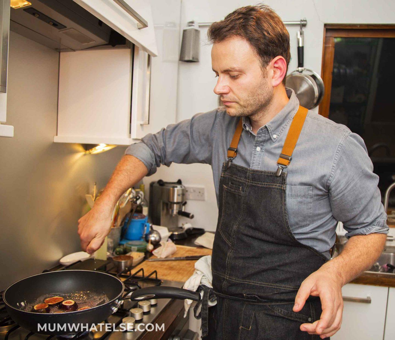 cuoco ai fornelli
