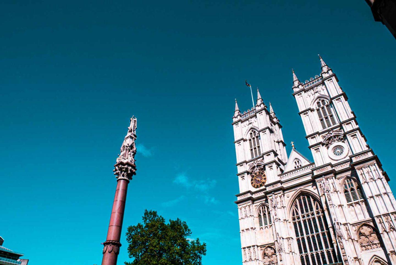 la facciata di westminster abbey a Londra