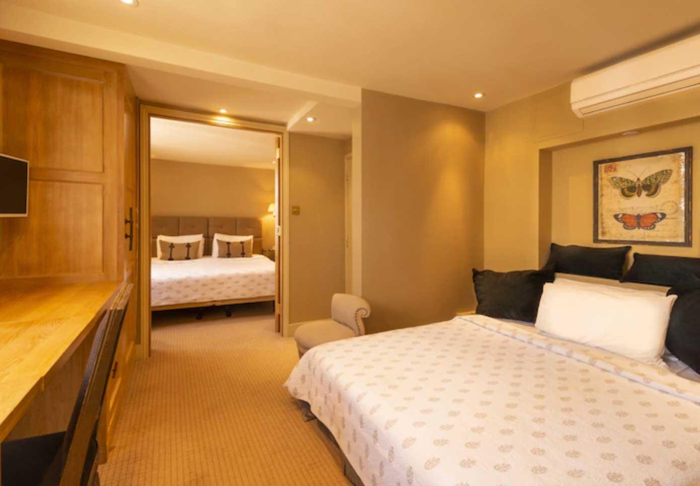 camera hotel con due camere comunicanti